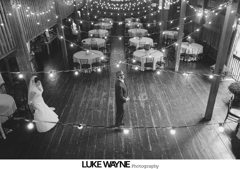 Barns_At_Wesleyan_Hills_Wedding_Photography_11