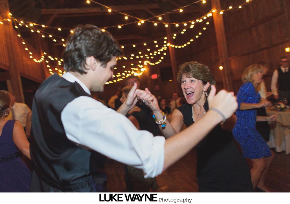 Barns_At_Wesleyan_Hills_Wedding_Photography_40