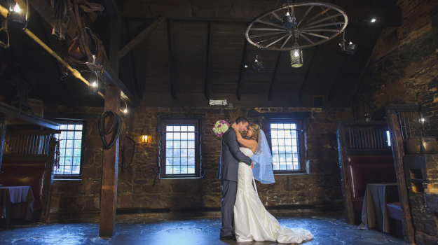 A Belle Terrace Avon CT Wedding Luke Wayne Weddings