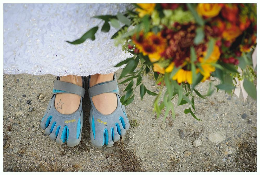 fall_river_forest_wedding_harwinton_florist_luke_wayne_photography20