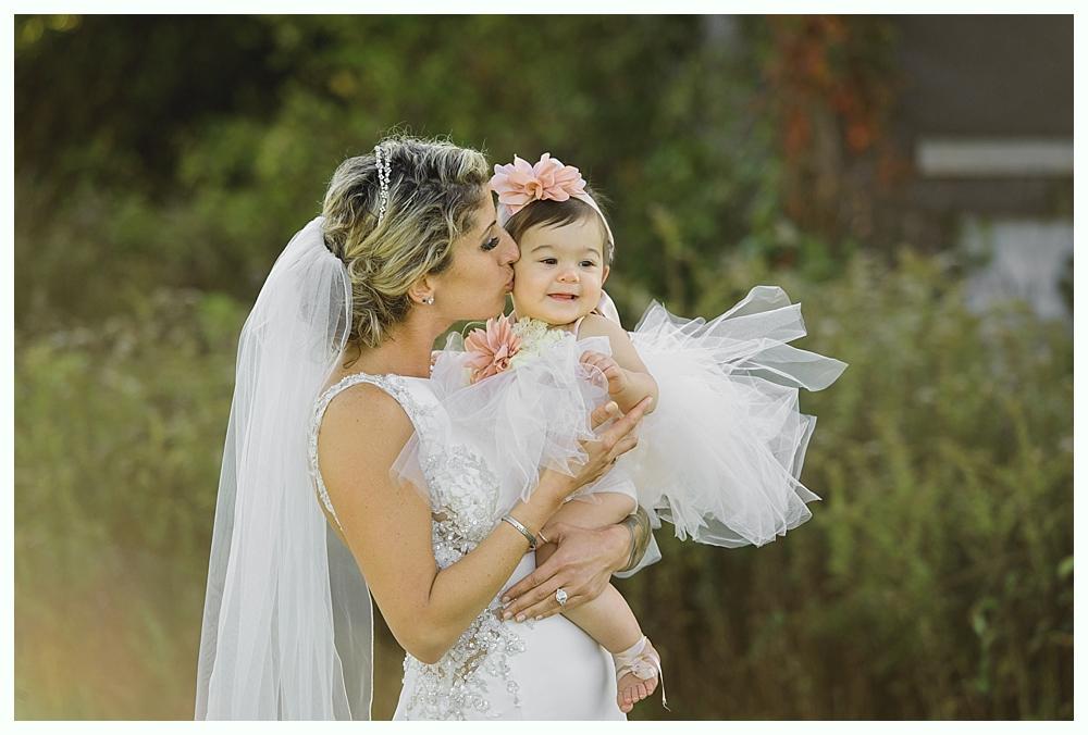 CT_Wedding_Photographer_Simsbury_Inn_21